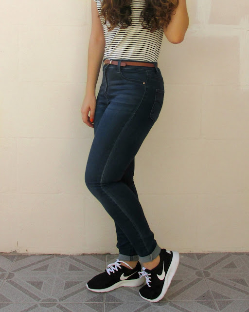 school outfit, striped top, nike kaishi trainers