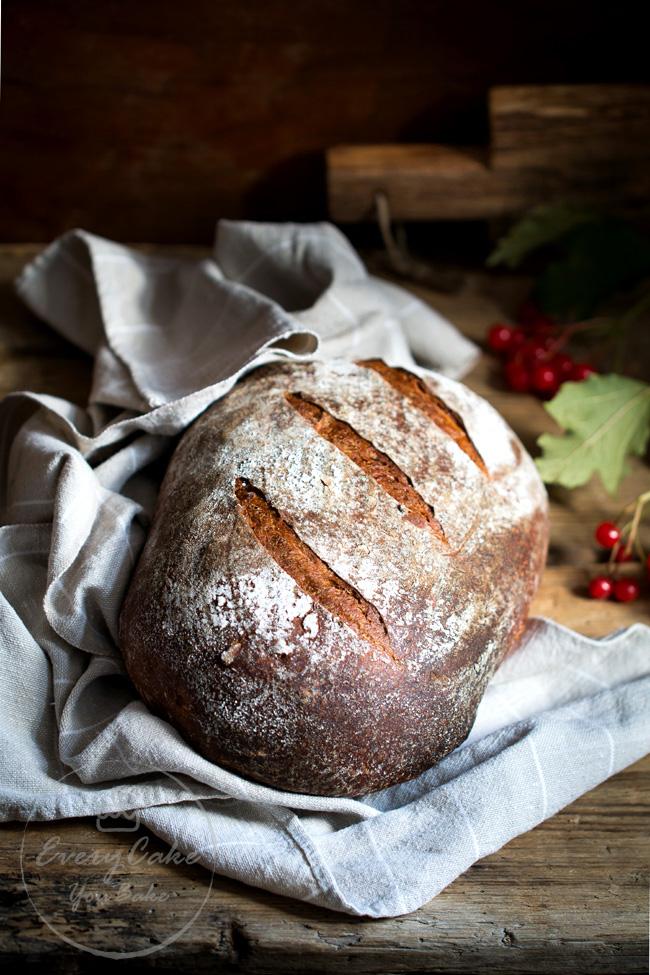 domowy chleb na zakwasie pszenno-żytni