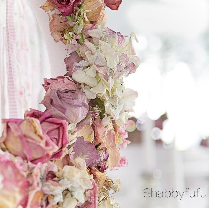 dried roses and hydrangeas wreath