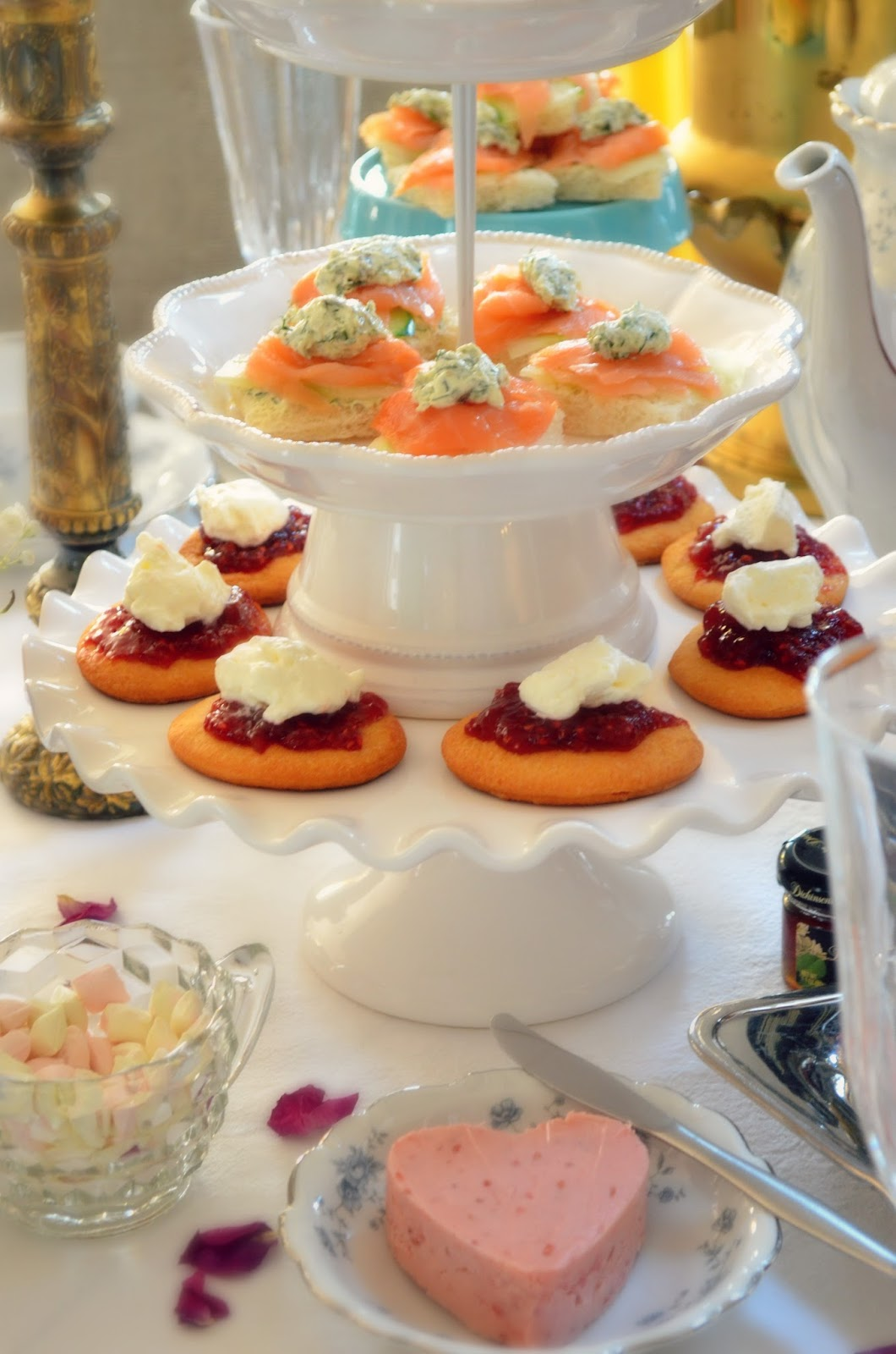3 Simple How-To Tips for Hosting A Champagne Afternoon High Tea