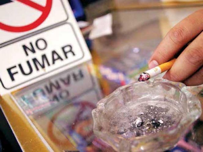 Mueren 110 al día por tabaquismo; nicotina, igual de adictiva que la cocaína