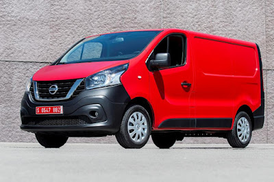 Nissan NV300 Panel Van (2017) Front Side
