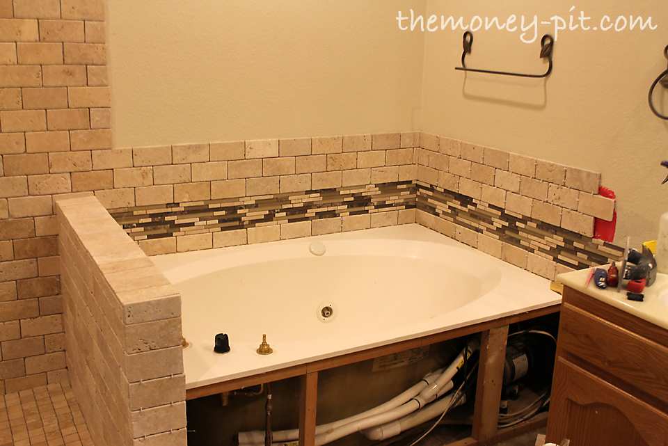 Master Bathroom Week 7: Tub Surrond Tiling - The Kim Six Fix