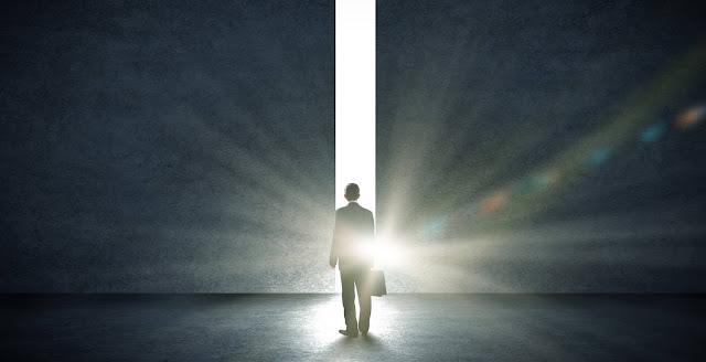 Οι θεωρίες για το τι κάνουν οι περιβόητοι «Άνδρες Με Τα Μαύρα»;