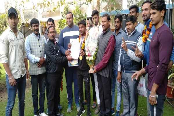 gaurav-chandila-d-c-model-school-win-gold-medal-in-national-kabaddi-championship