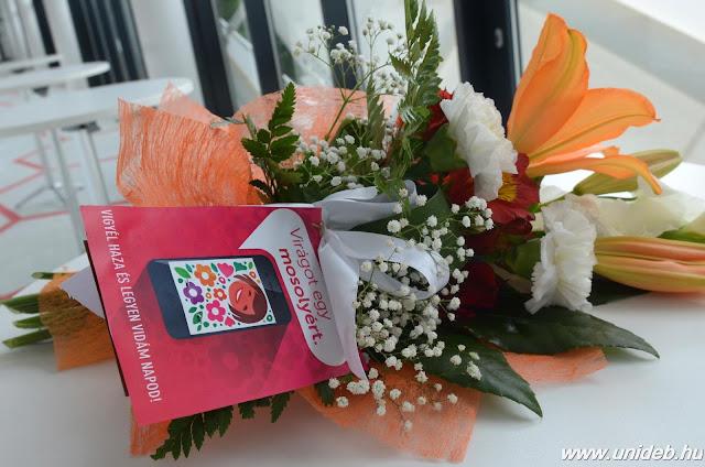 Az 50 nappal a karnevál kezdete előtt tartott sajtótájékoztatón Papp László polgármester felidézte: 50 éve, 1966-ban rendezte a város az első Virágkarnevált, de voltak évek, amelyek kimaradtak, így ez a 47. alkalom.