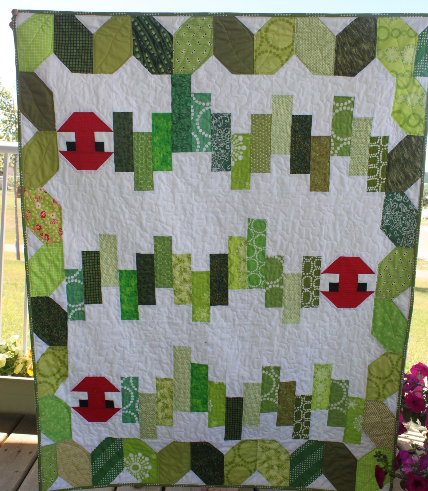 Daydreams of Quilts: Scrappy Green Caterpillar Quilt PDF Pattern ... : caterpillar quilt pattern - Adamdwight.com