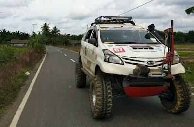 Daihatsu Xenia, lumpur, jalan berlumpur, modifikasi