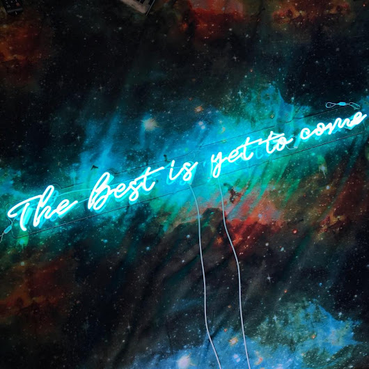 "Aoos: new glass neon light - ""The Best is yet to come"" review"