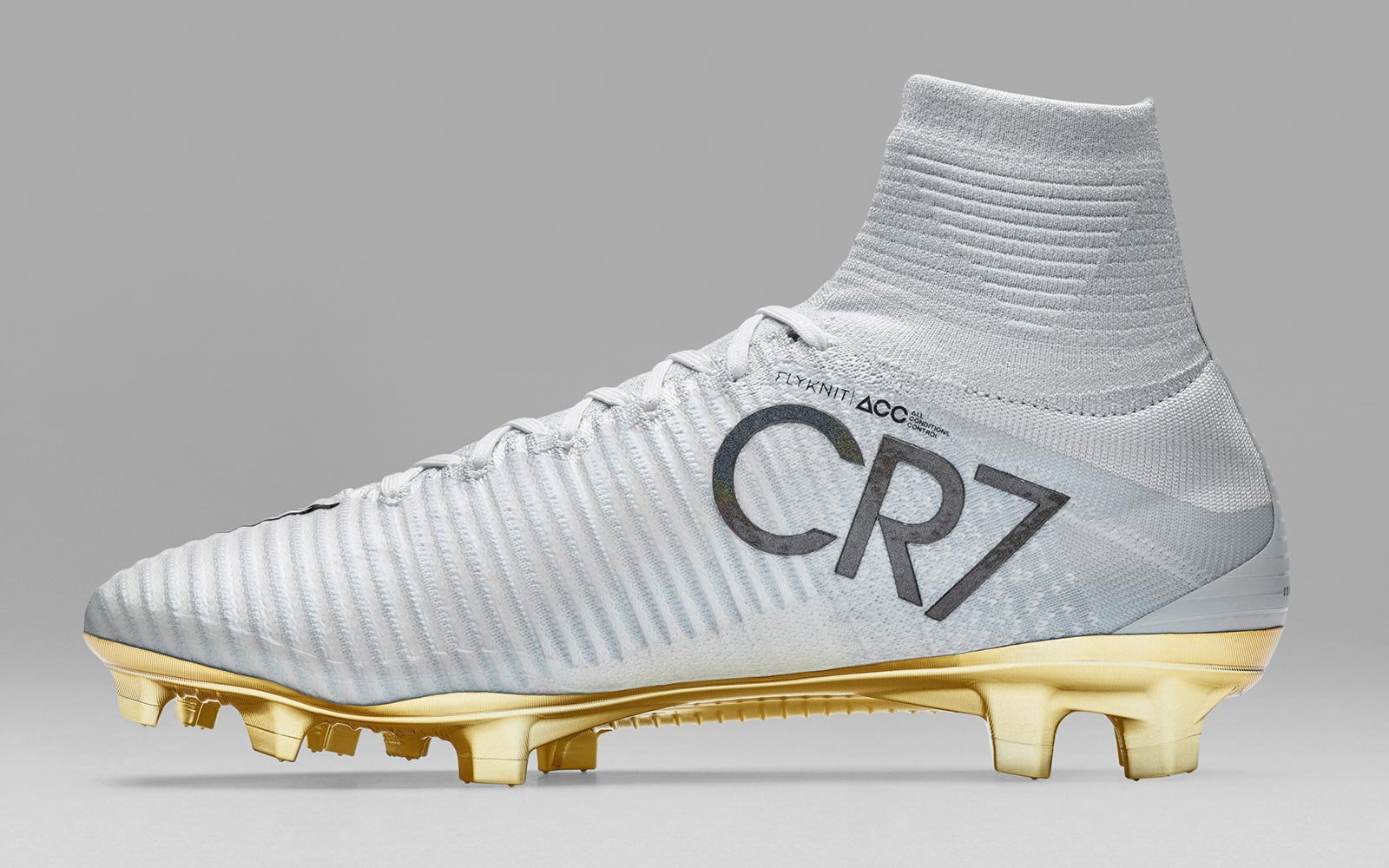 Ronaldo White Gold. White And Gold Nike Mercurial Superfly e907d1879b0fc