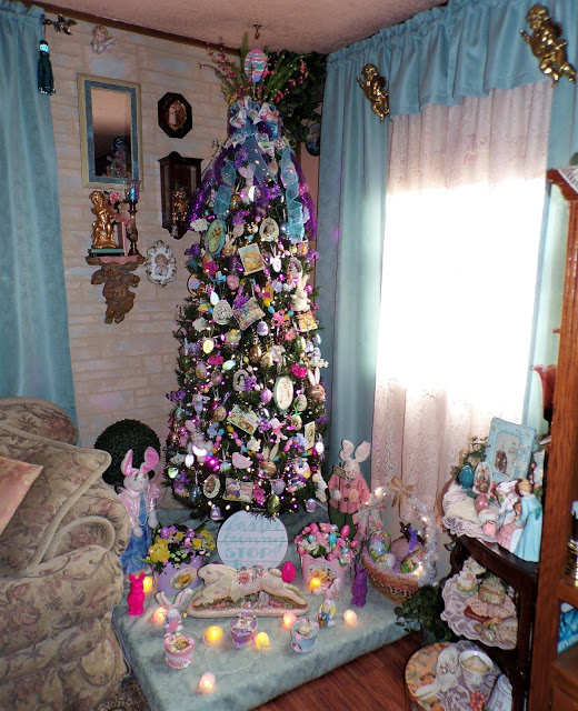 Living Room Easter Tree, 2020