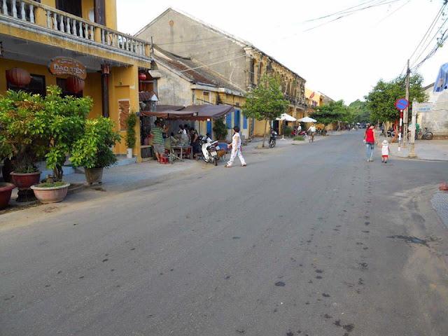 Nhà mặt tiền đường Phan Bội Châu và mặt sau là Huỳnh Trân Công Chúa