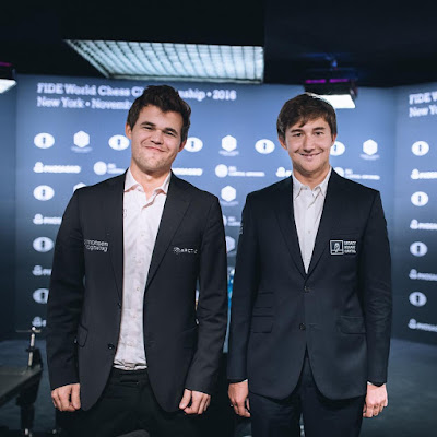 Carlsen y Karjakin. Foto Max Avdeev for World Chess by Agon Limited