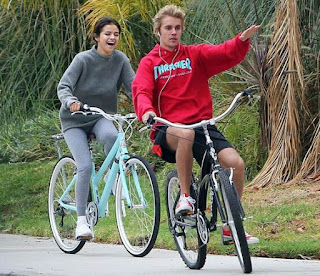 Justin bieber and gomez on ride