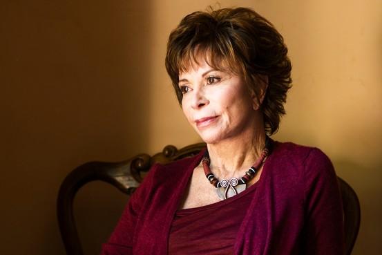 Isabel Allende desistiu de se candidatar às eleições presidenciais no Chile