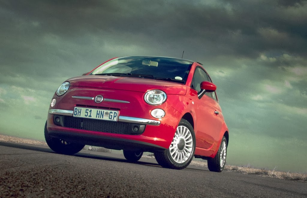 Fiat 500 Lounge Wallpaper - Best Prices Globe In The World