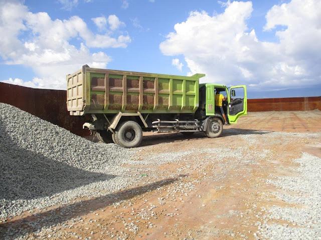 loading batu split palu