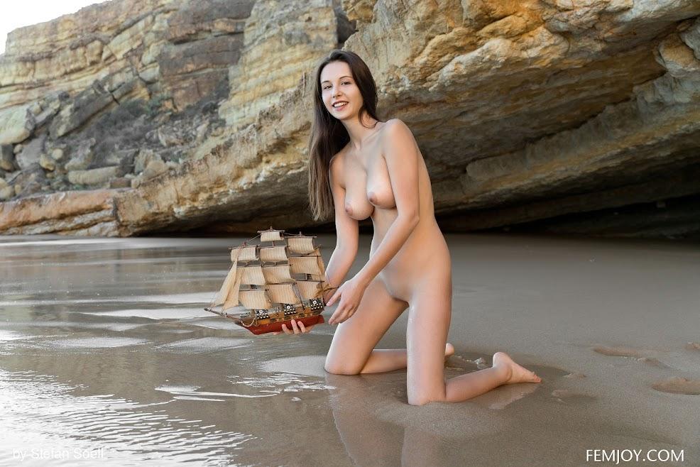 [FemJoy] Alisa I - Playful 1590395313_cover_femjoy_alisa_i_playful