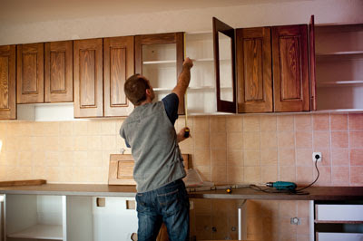 Save Money on Your Kitchen Cabinet Installation