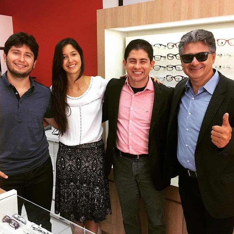 O empresário Ariones Diniz, dono da Óticas Diniz, maior rede de varejo  óptico do Brasil, segue ampliando a sua presença em São Paulo com a  abertura da ... 52c0bc1009