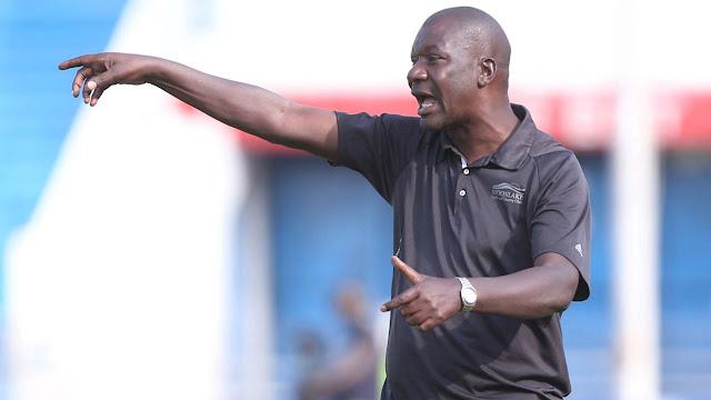 Kocha wa AFC Leopards Robert Matano akitoa ishara kwa wachezaji wake kwenye moja wapo ya mechi za ligi kuu KPL. Picha/Kwa hisani