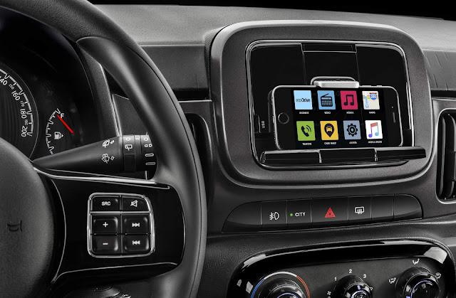 Fiat Mobi 2017 Drive FireFly -  sistema multimídia Live On
