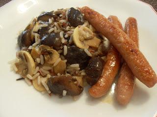 Arroz mezcla con setas shiitake, champiñones y salchichas