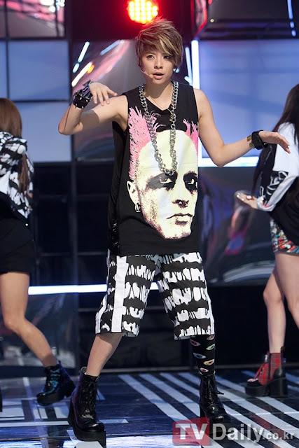Oddness/Weirdness: Dress Like: f(x)'s Amber Liu F(x) Electric Shock Amber