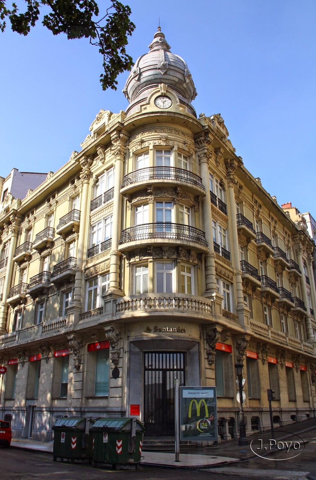 Edificio modernista del Gran Hotel de Avilés