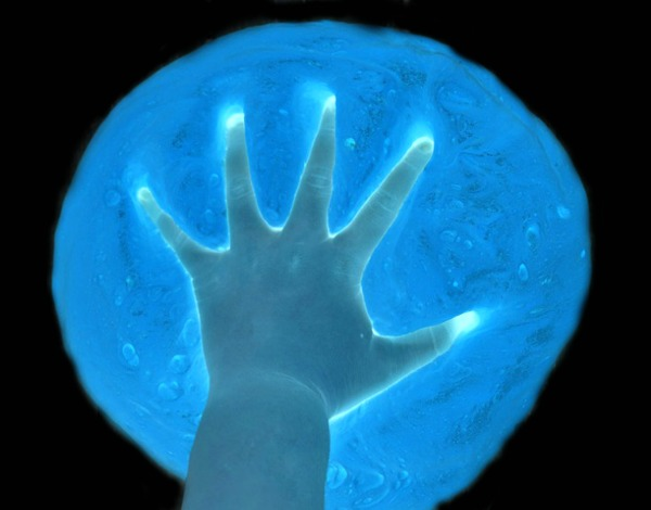 ICY-COLD GHOST SLIME FOR KIDS - so fun!! (it glows!) #slimerecipe #slime #hlowtomakeslime #slimeforkids #playrecipes #playrecipesforkids #ghostslime #ghostcraftsforkids #ghostactivitiesforkids #halloweencraftsforkids #halloweenactivitiesforkids #artsandcraftsforkids