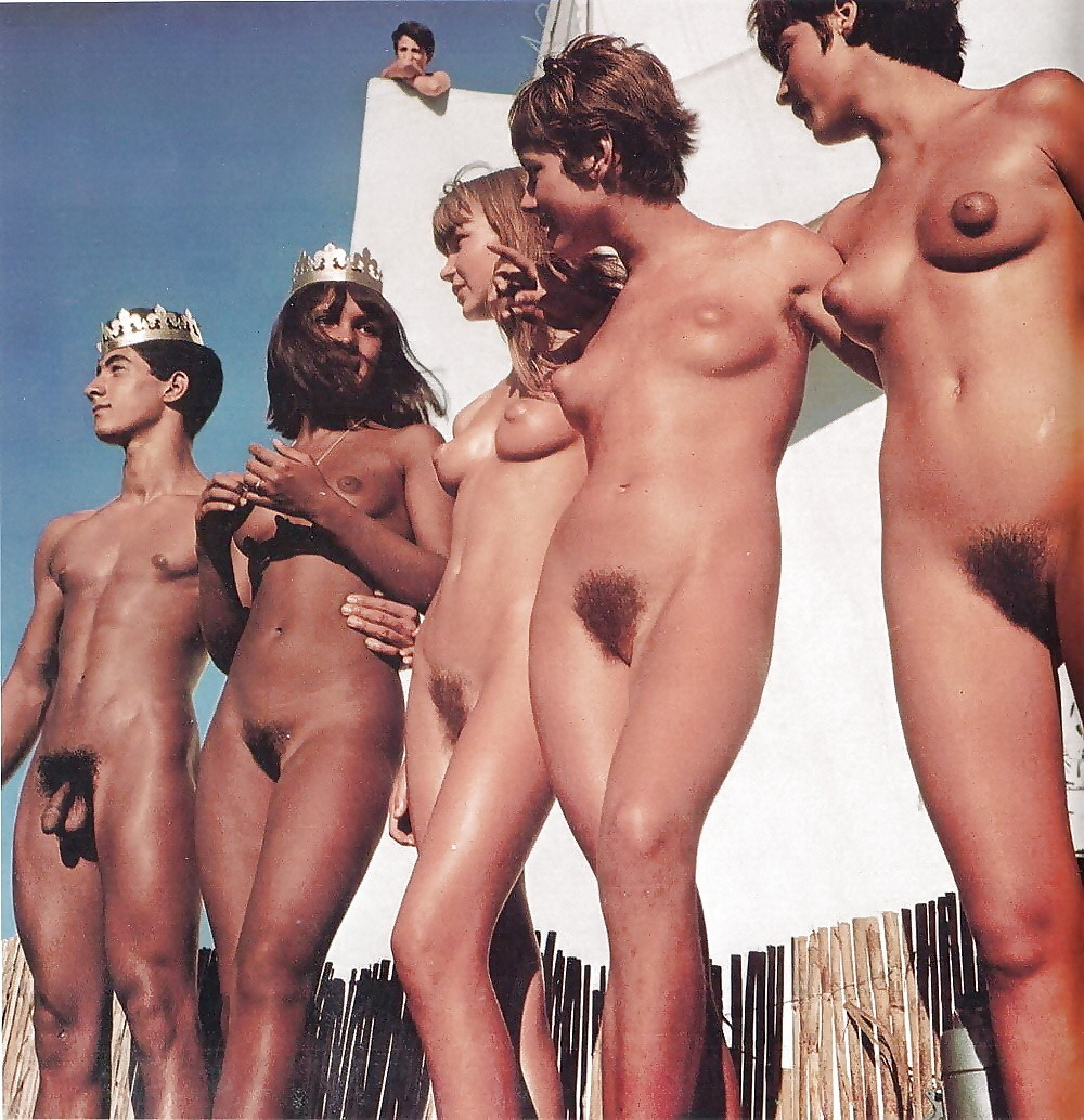 girl-vintage-nudists