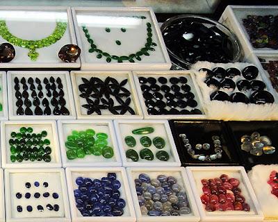jade shop at bogyoke market yangon