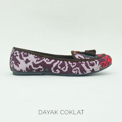 Sepatu Batik Dayak Coklat