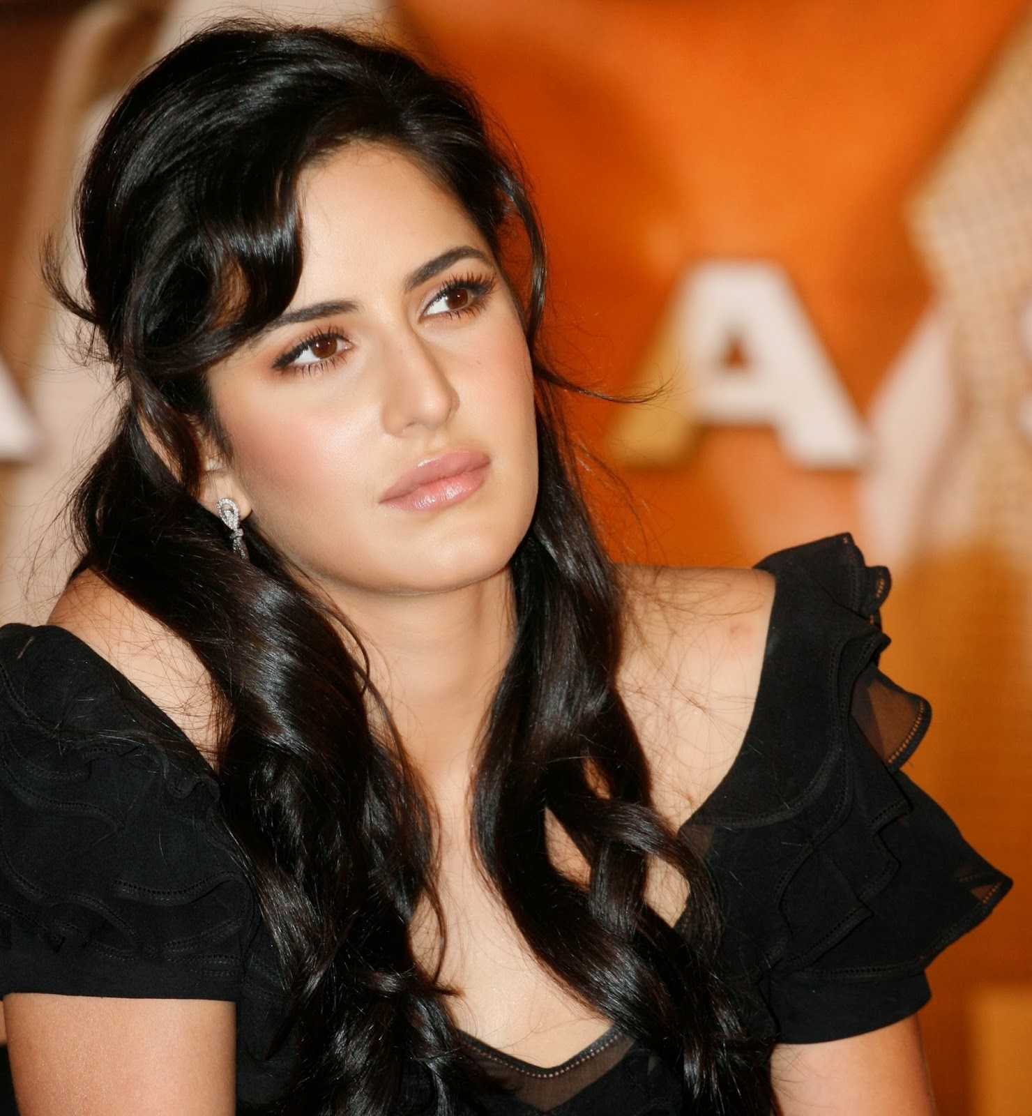 Katrina Kaif Hot Stills Latest-6
