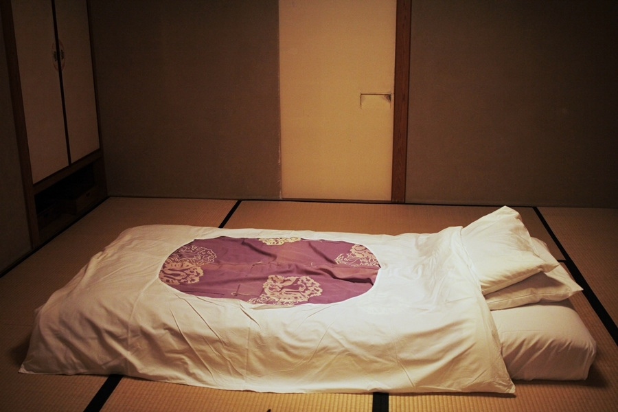 futon bed japan travel