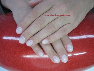 Maniküre mit Natur farbe shellac