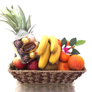 Fruit Basket + Chocolate Ferrero