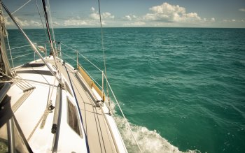 Wallpaper: Trip on Ocean with Sailboat