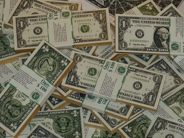 هناك نوع من الإستقرار في سعر الدولار أمام الجنيه المصري.