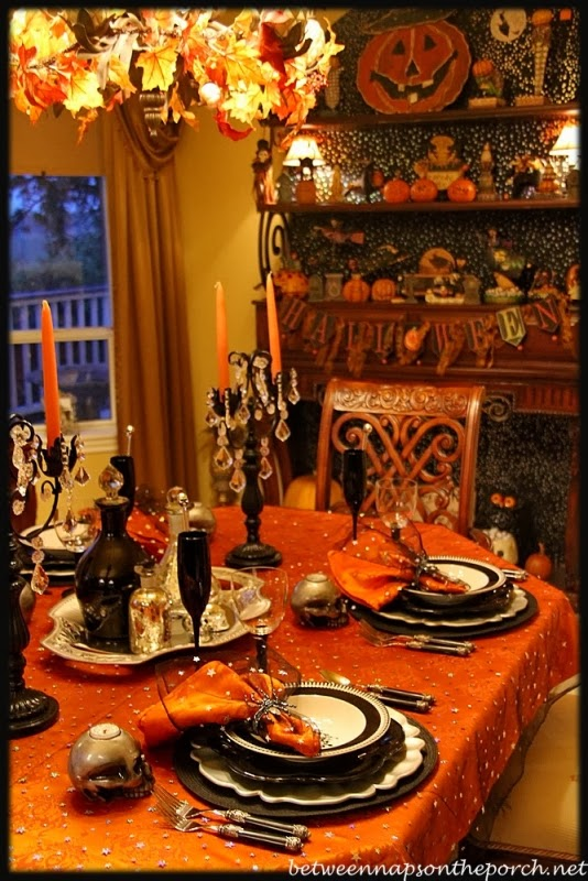 Alejandra Creatini Best Halloween Tablescapes