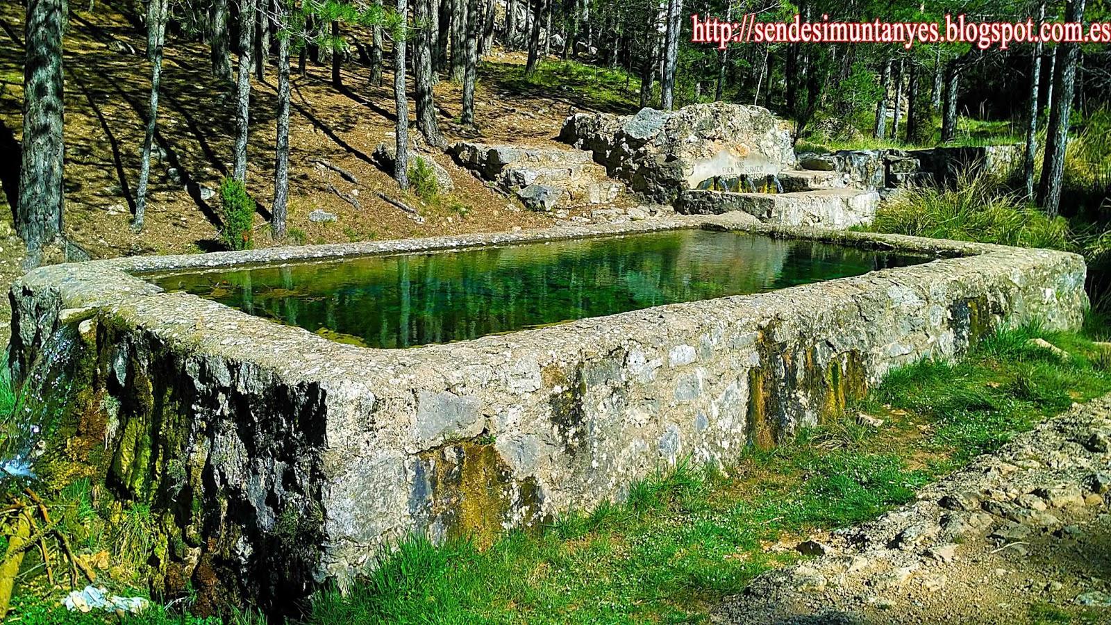 Fuente de FuennaricesArco de PiedraCascada de la HiedraPico