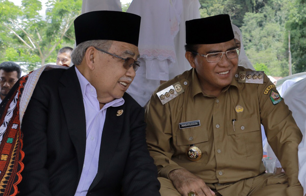 Zaini Abdullah : Semoga Kursi Gubernur Aceh Tidak Jatuh kepada Orang yang Membelokkan Perdamaian