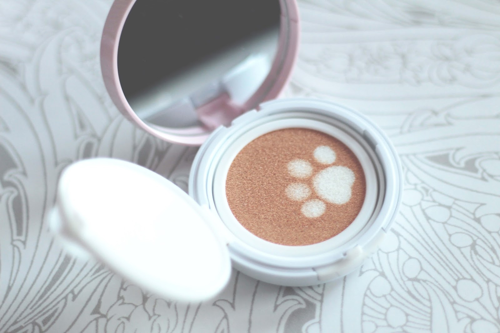 holika holika face2change dodocat glow cushion bb review product shot