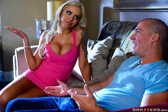 Nina Elle – Sitting on the Sitters Dick (Dirty Masseur)