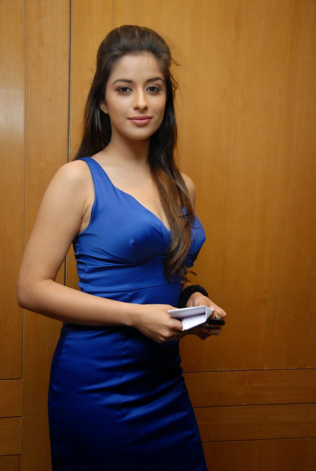 Madhurima Latest Spicy Photo Shoot