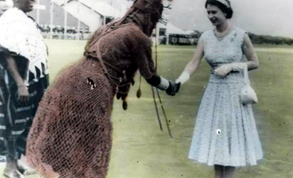 Oba Akenzua meeting the Queen of England in Benin, 1956