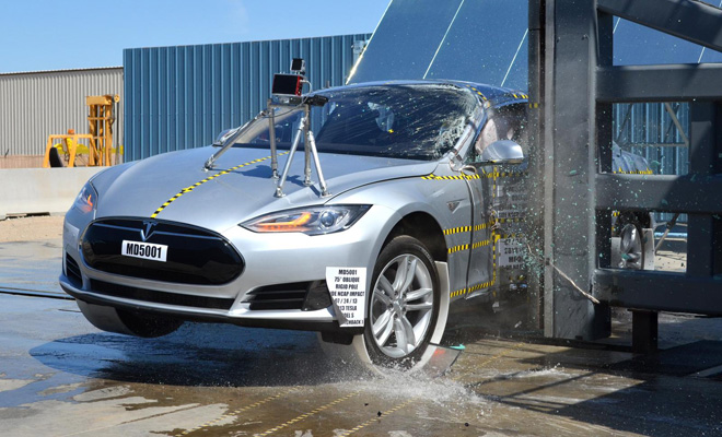 Tesla Model S crash test pole impact