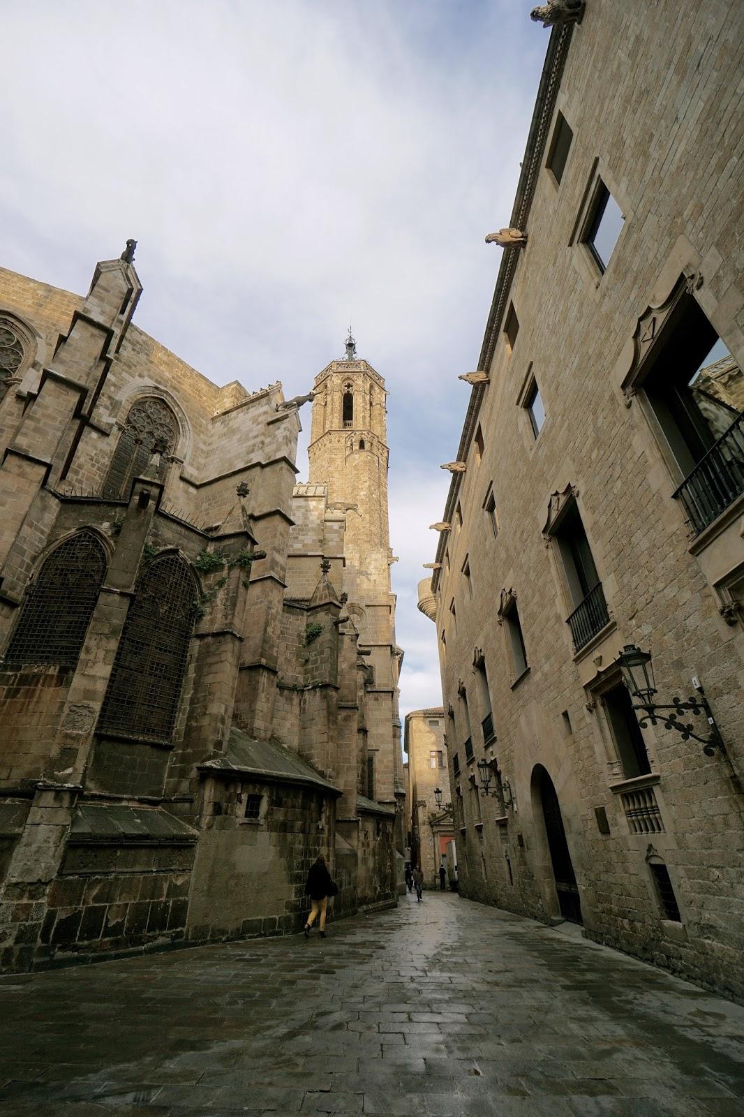 ピエタト通り(Carrer de la Pietat)