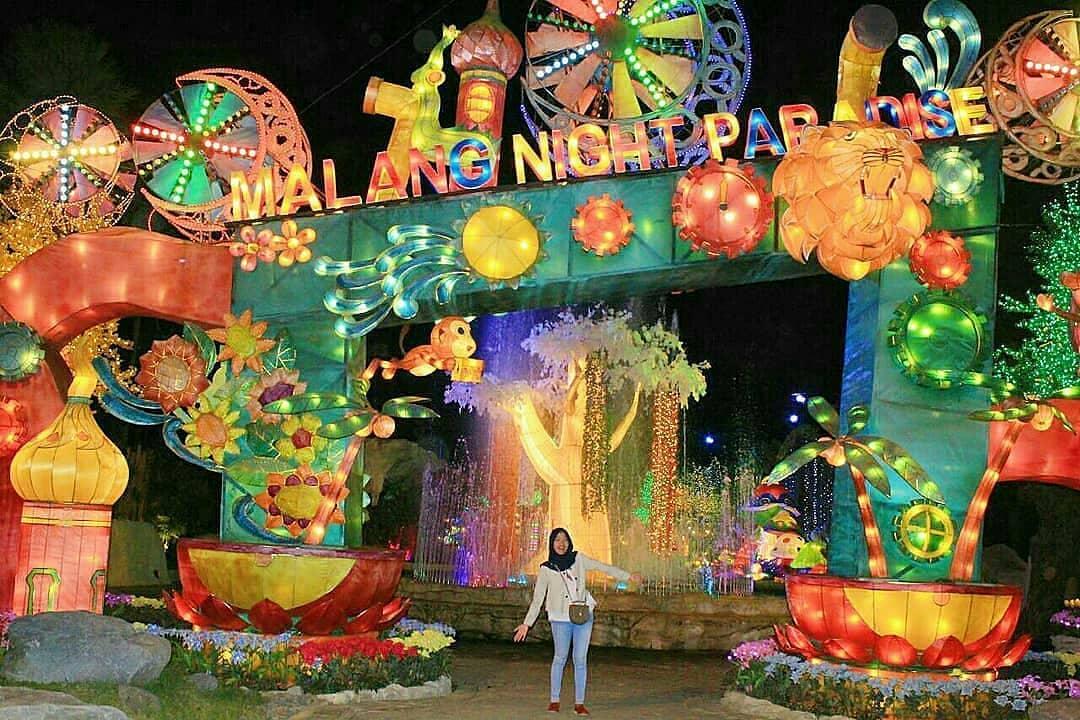 Kerlap Kerlip Cahaya Di Malang Night Paradise Paperkampung