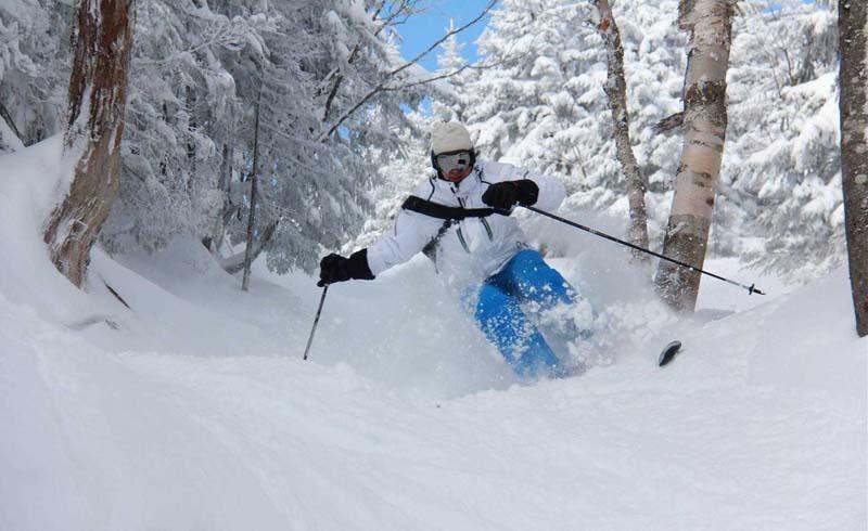 canada,night-skiing,montreal,mont-sainte-anne,ski-bromont,mont-saint-bruno